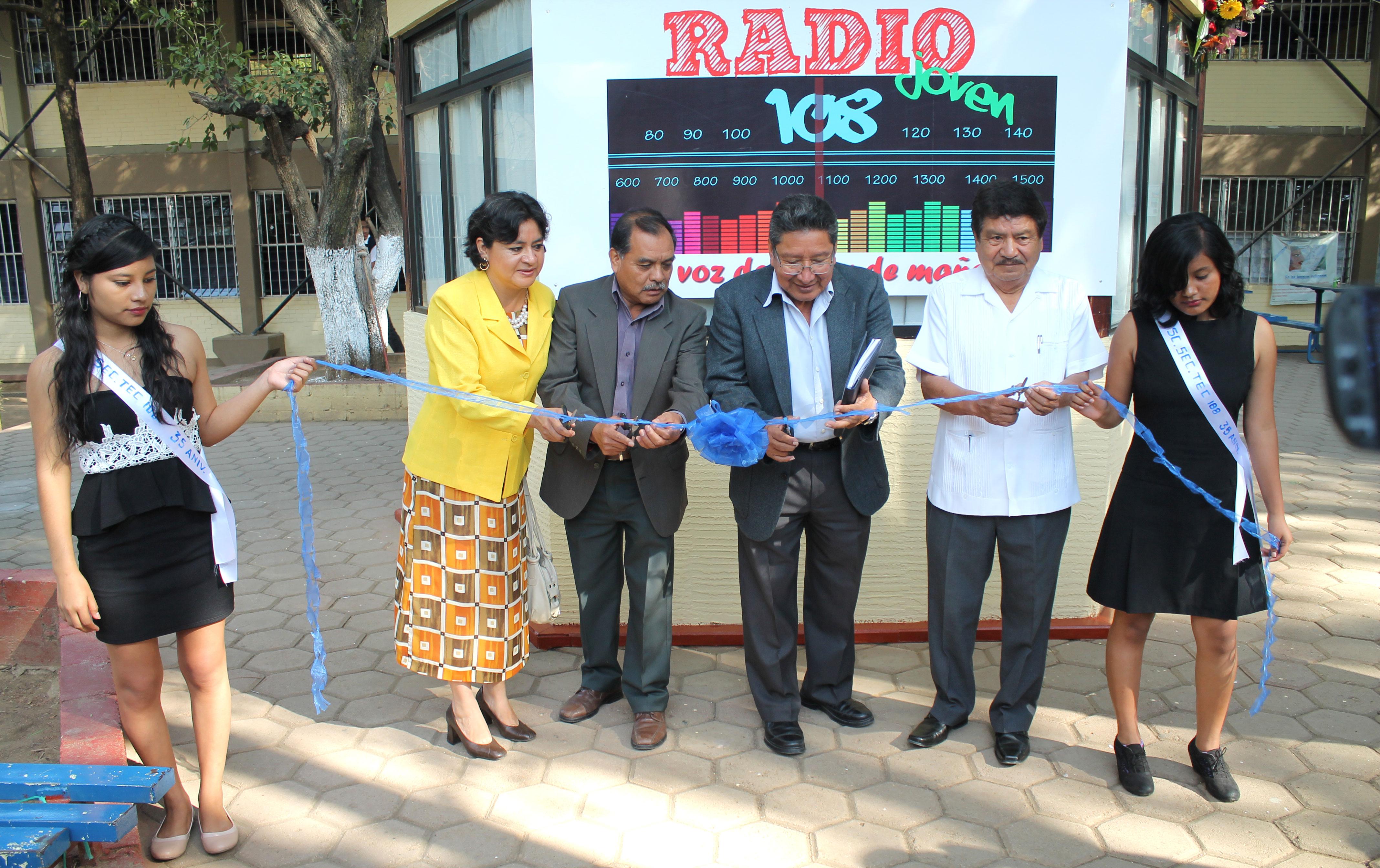 """Inauguración de """"Radio Joven 108"""" en la Escuela Secundaria Técnica 108 de la Col. del Maestro."""