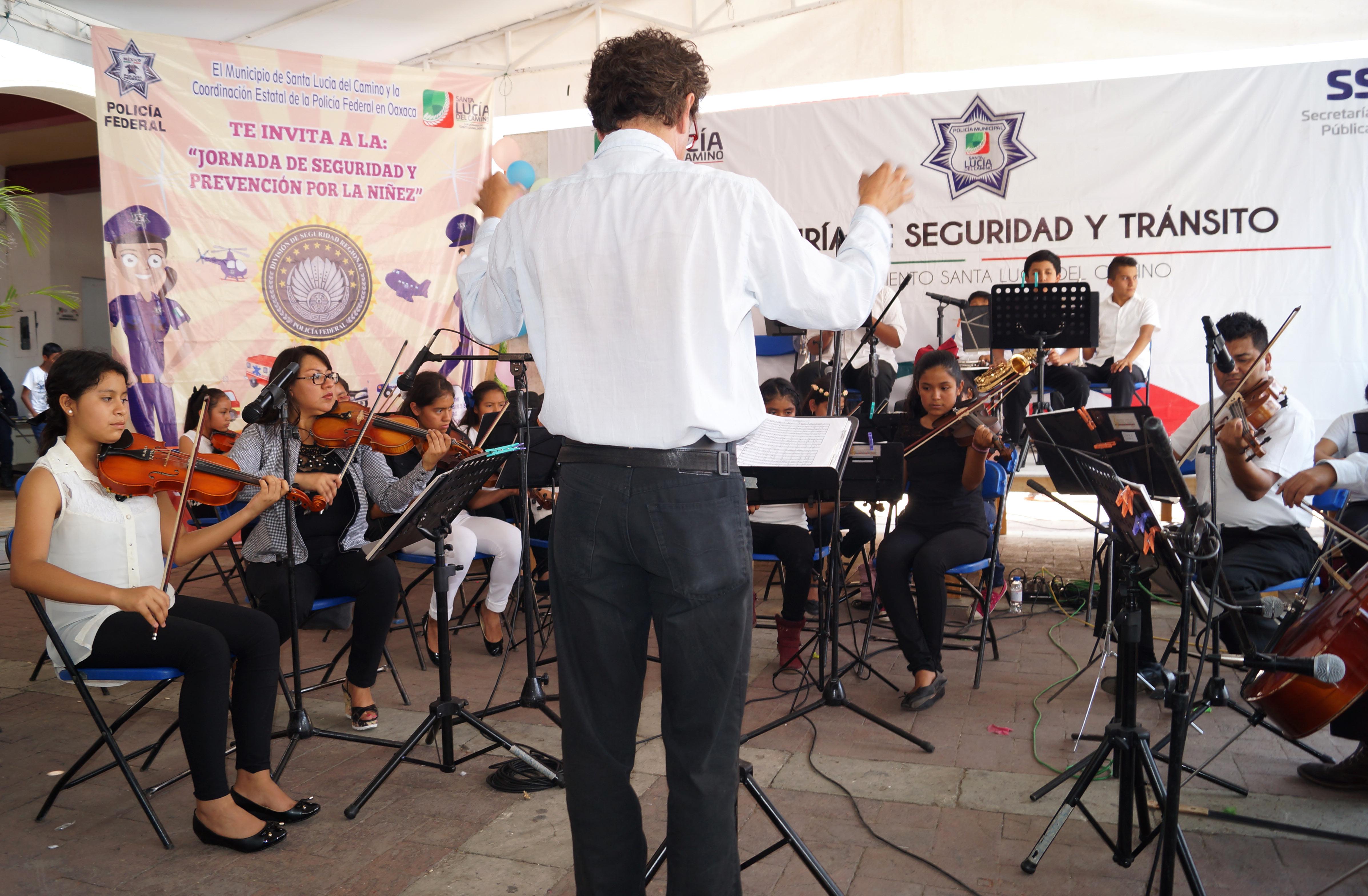 Participación de la OSIJ, dueto de cuerdas y trio de cuerdas del IEEPO.