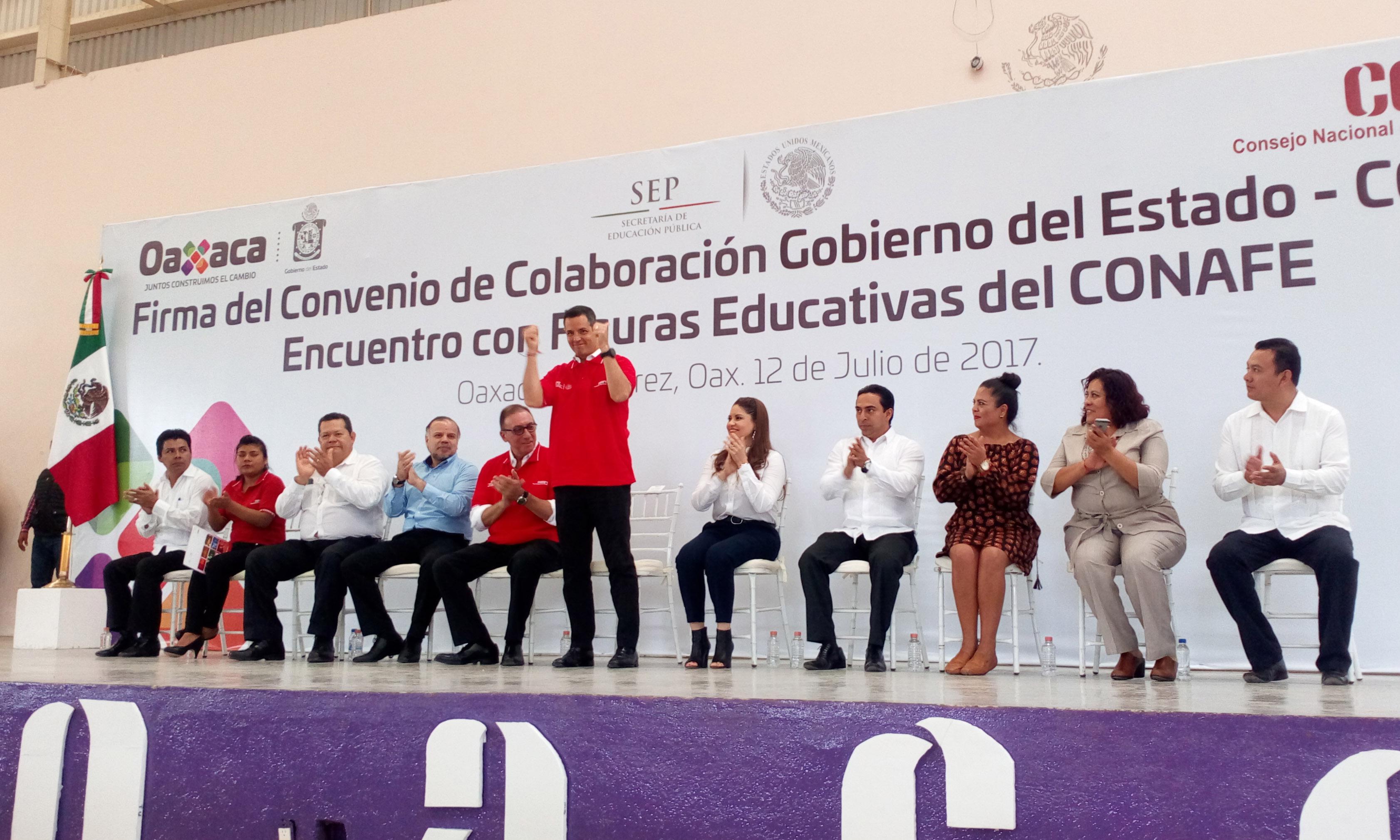 Firma del Convenio de Colaboración Gobierno del Estado -CONAFE- Encuentro con Figuras Educativas.