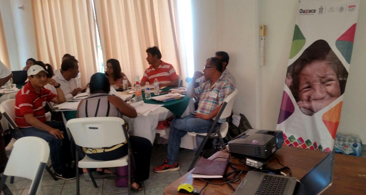 Capacitación a Directores participantes en el Programa Escuelas de Tiempo Completo de la región Costa.